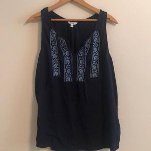 Navy tank top with liver blue detail